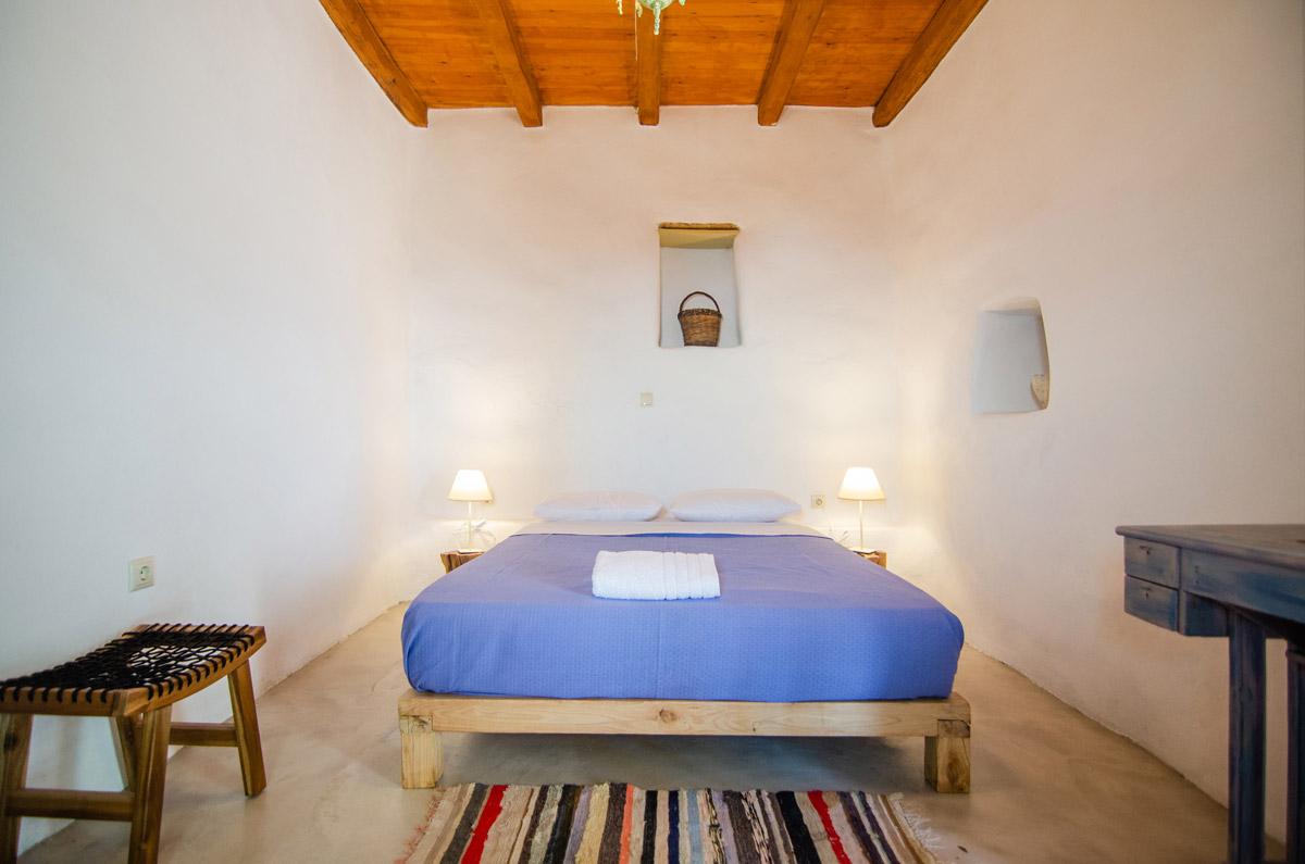 κρεβατοκαμαρα-δωμάτια δονουσα- δημητράκης guesthouse- donousa